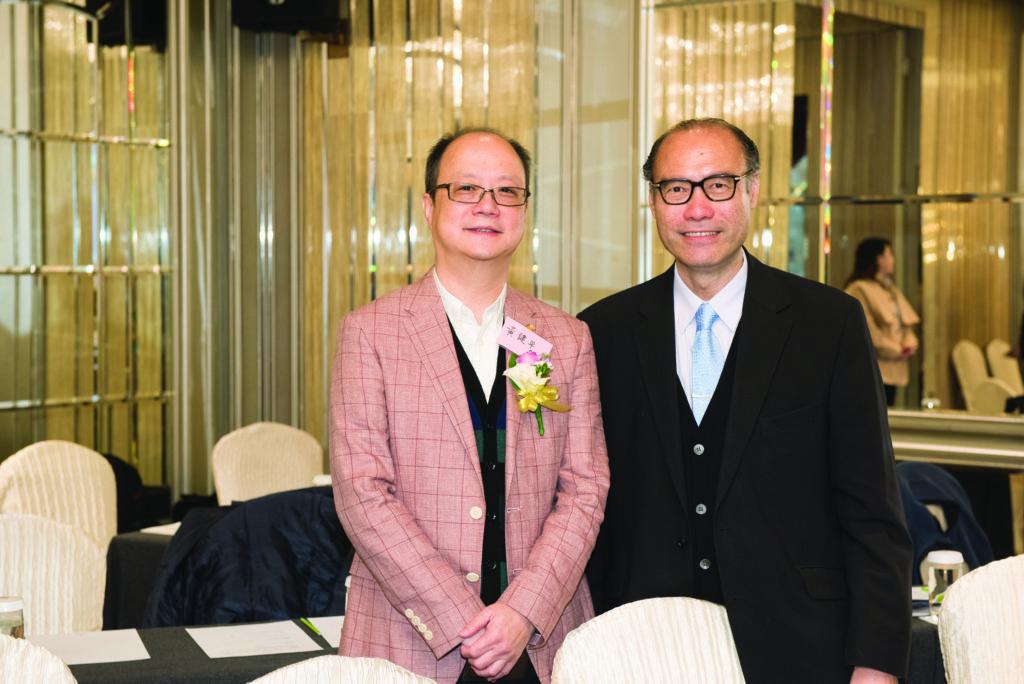 王健平先生與到會者合照